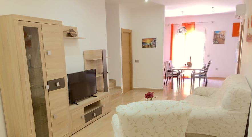 Peaceful place with patio, 2 bdrm 2 bthrm AC, WiFi
