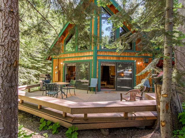 3BR Chalet, Near Donner Lake