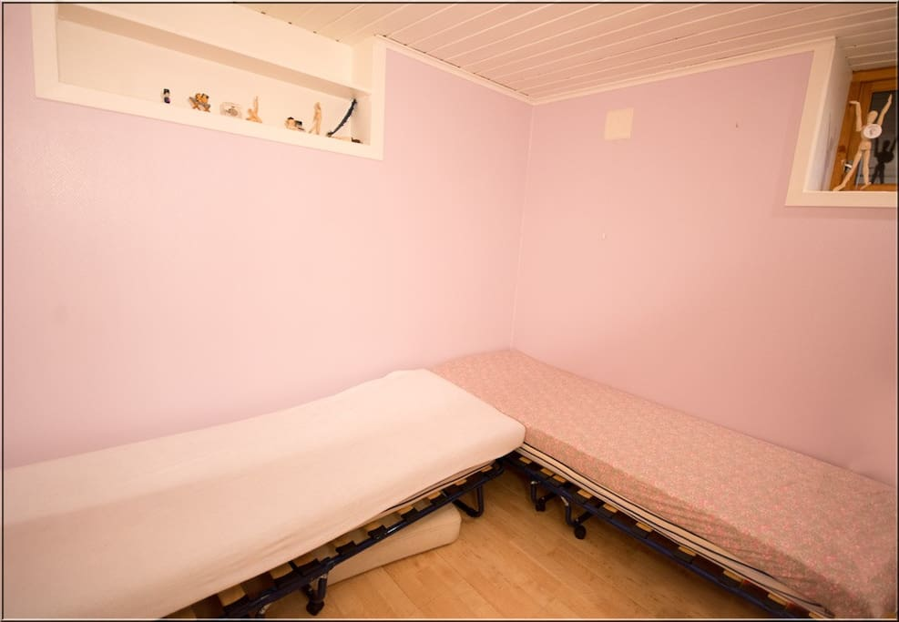 Two single beds with double mattress
