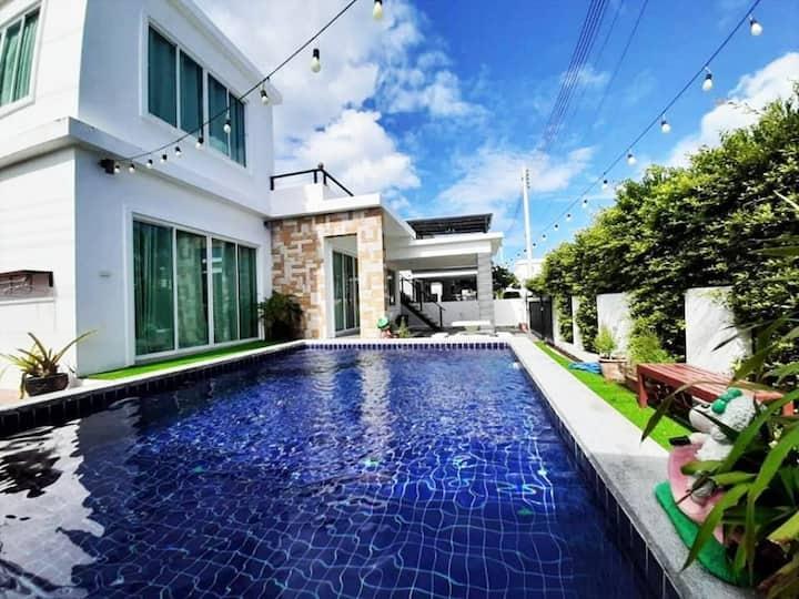 Dorothy Private Pool Villa Huahin (3 BR  1 Lounge)