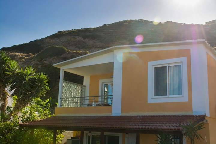Luxury 2bedroom house with seaview.