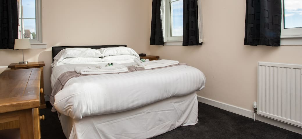 Standard double room with spacious ensuite