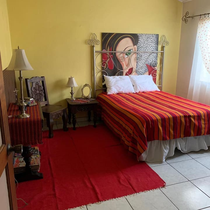 Comfy room Col. Las Mercedes (female guests only)