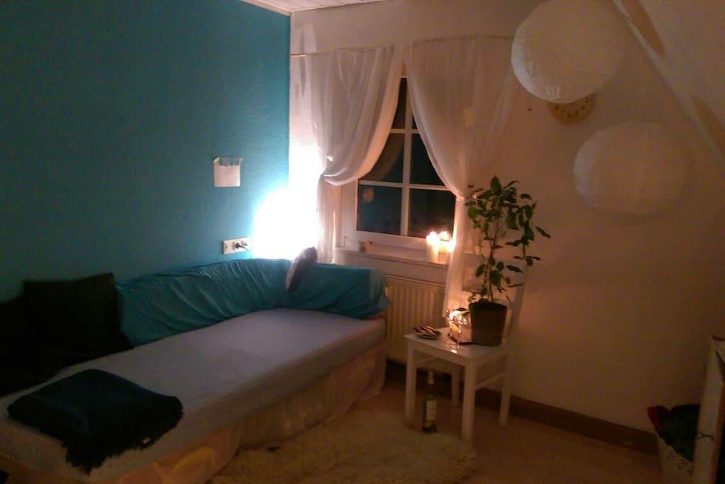 Das Sofa/zweite Bett