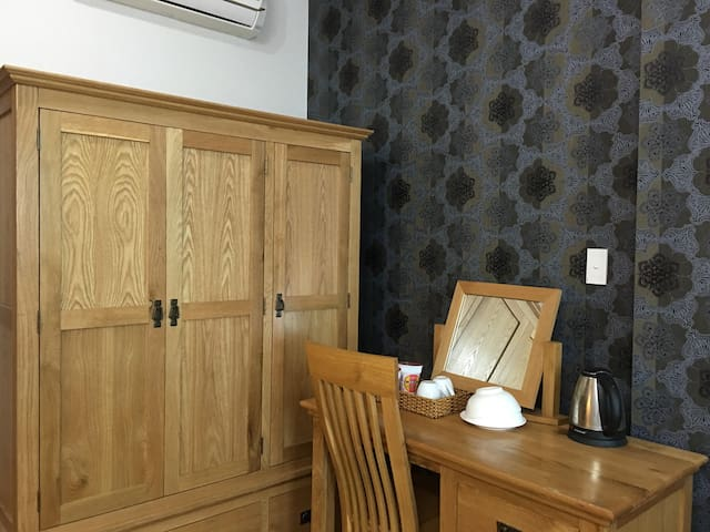 LUXURY APARTMENT - 2 BEDS FOR 4 PEOPLE - 10 HOURS