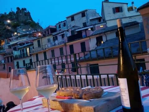 The Terrace - Vernazza's Heart!