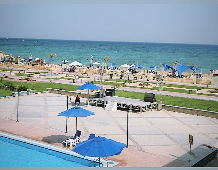 A touristic resort Seaview  In Ain Sokhnaa