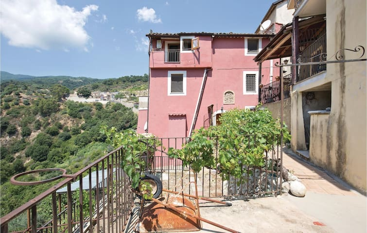 Holiday apartment with 1 bedroom on 55m² in Isca sullo Ionio
