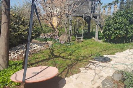 Pomp's Residence - Giv'at Yo'av - Casa
