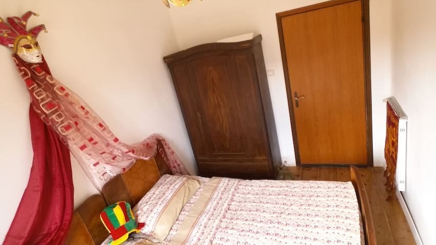Venice center one room 2 persons - Veneza - Casa