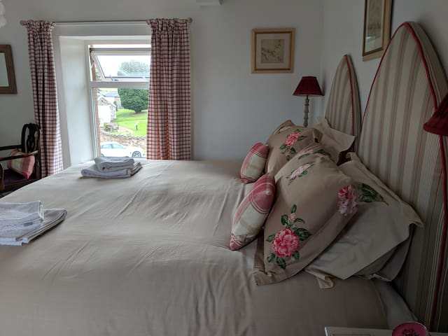 Ensuite bedroom, in picturesque village.