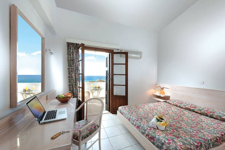 Niriides - Apartment with 2 rooms & Sea view