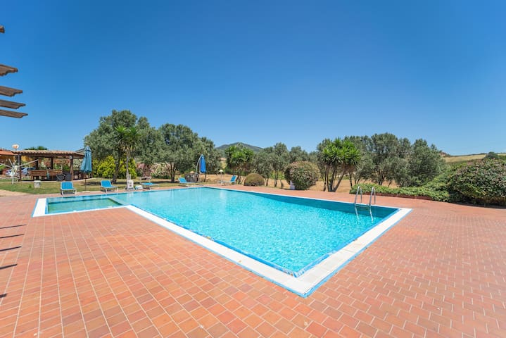 Apartment Dimora Verde with Shared Pool, Wi-Fi & Air Conditioning; Parking Available, Pets Allowed