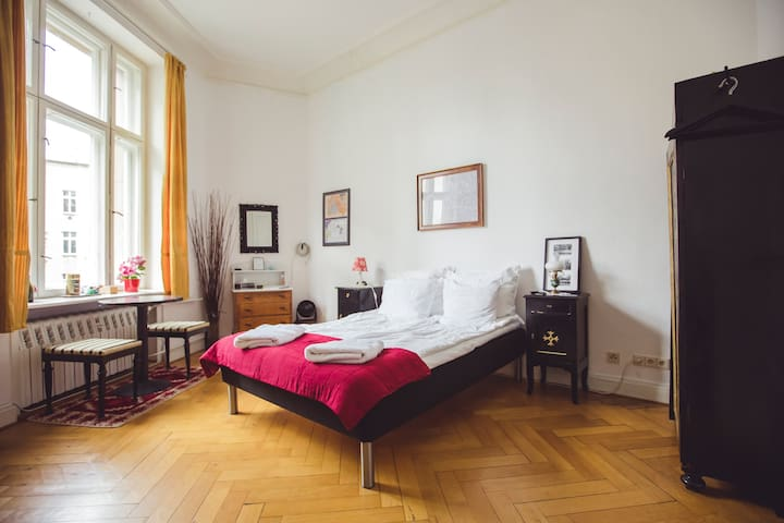 Room in Historical Building in the heart of Berlin