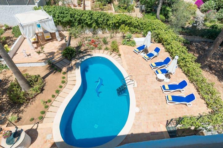LOS PINOS :) Villa for 8, near by Port Adriano
