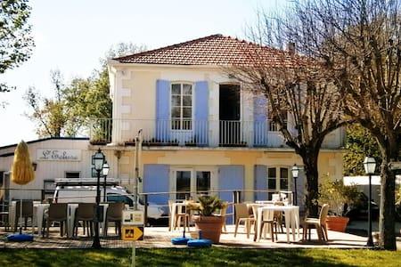 L'Ecluse Hotel & Restaurant - Saint-Fort-sur-Gironde