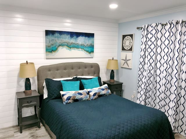 BEST CONDO IN HHR, RENOVATED, OCEAN WALK RESORT