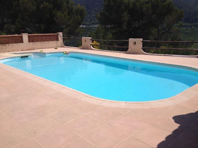 Belle villa piscine 15 min de nice