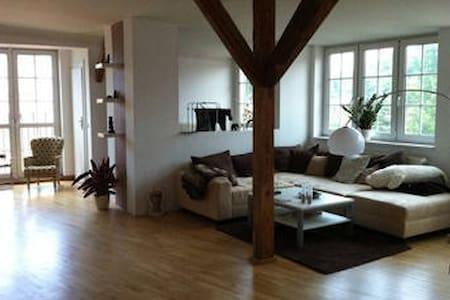 geräumige 150qm-Wohnung im grünen Pankow - Berlin