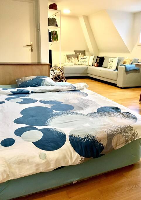 Luftbett mit Matratzenauflage