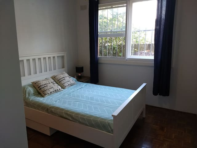 Double room walk to beach, park and train station