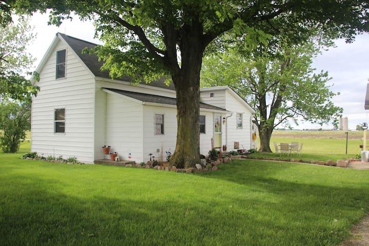 Simply 600 - A Rural Retreat