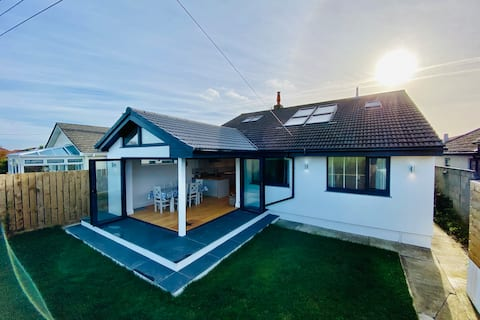 Modern, spacious detached house in St Merryn