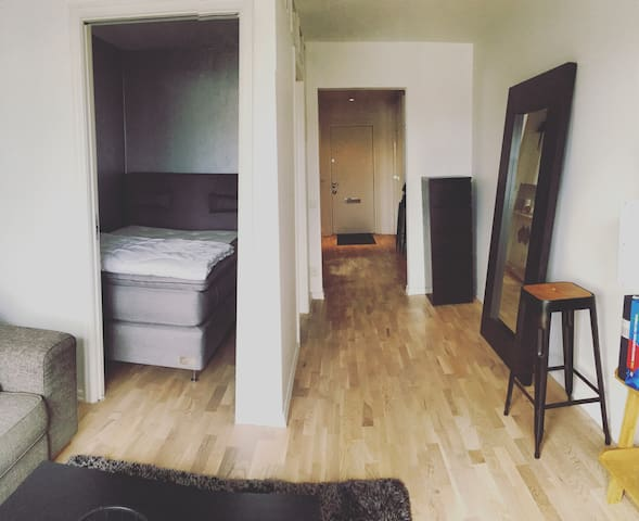 Cozy apartment close to Stockholm C - Sollentuna - Apartment