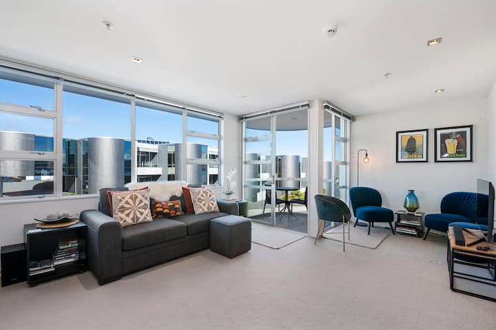 *Discounted Rate* Modern Apartment - Waimahana 12