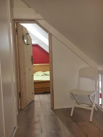 chambre / cabine avec lit bateau