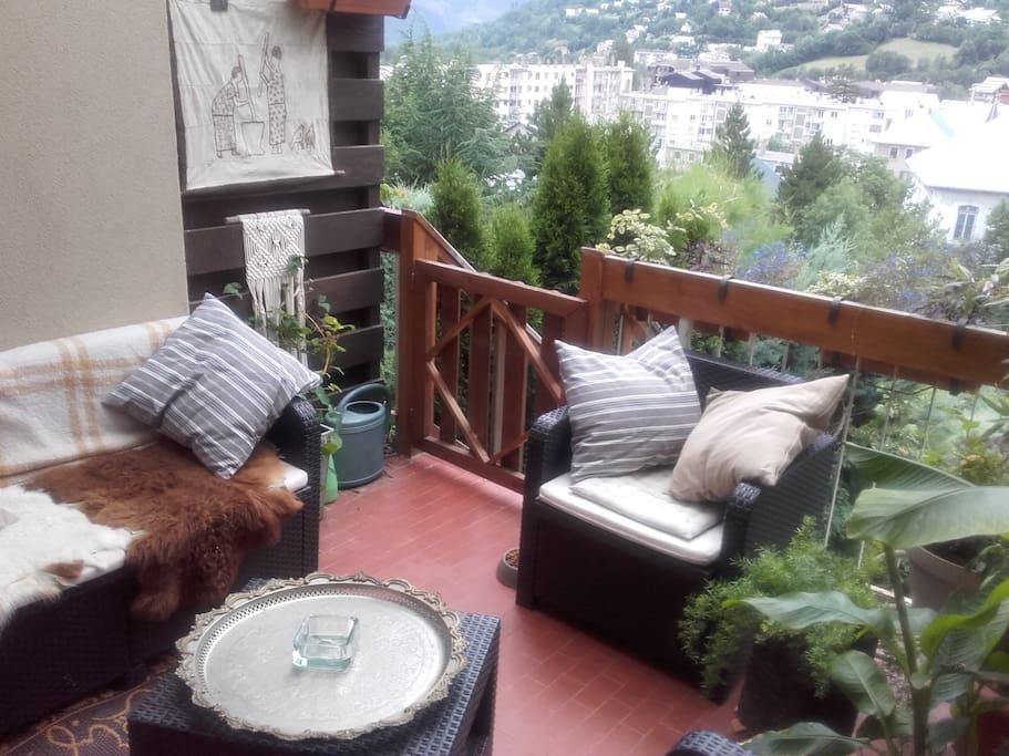 Terrasse pour appero, lecture, bronzage
