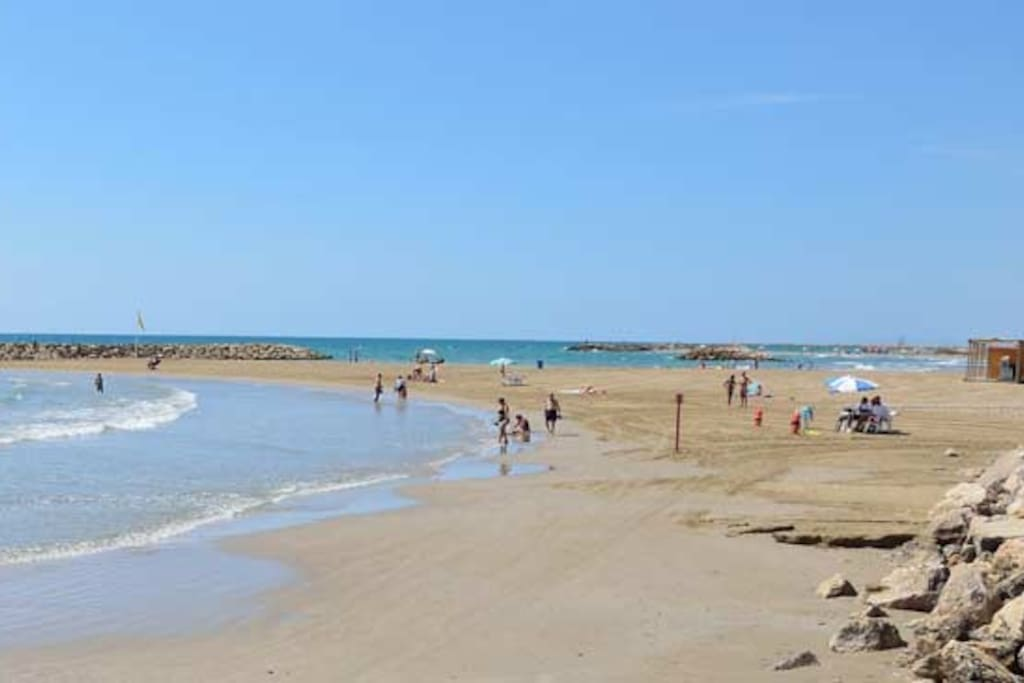 Playa de Cunit - Frente a la casa