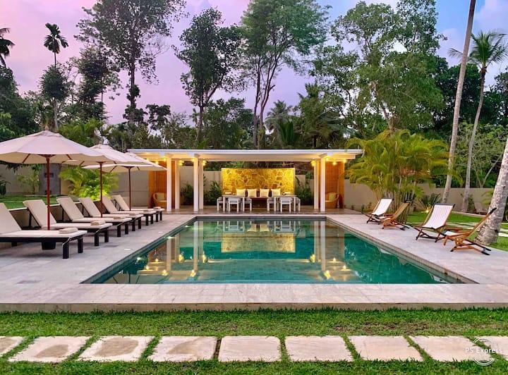 The Deco House - Garden House
