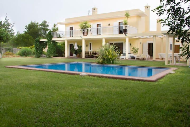 Villa Portinatx (ET-0667-E)