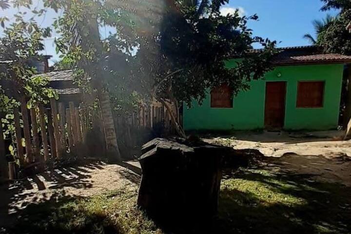 Casa Verde em Nova Caraíva com varanda para mata!