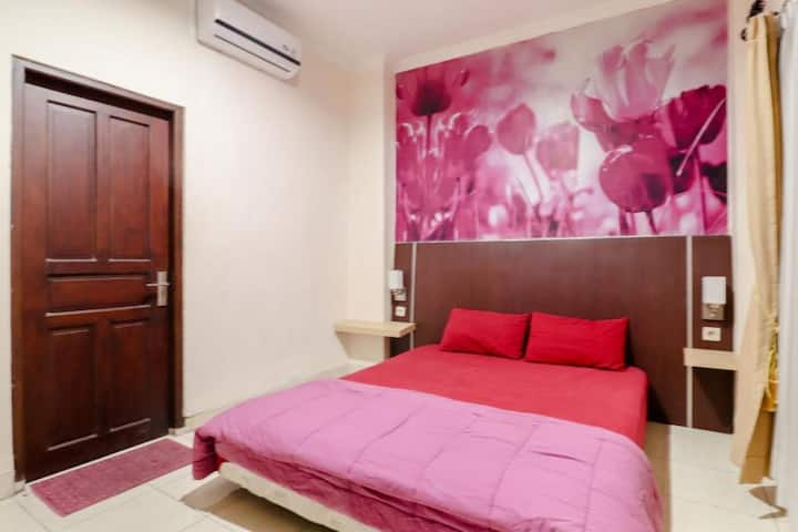 Minimalist Superior Double Room at Bi.es Homestay