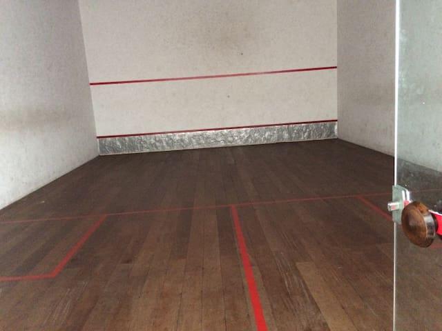 Quadra Squash área de lazer