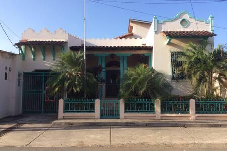 la Casa de los Vientos - La Villa de los Santos