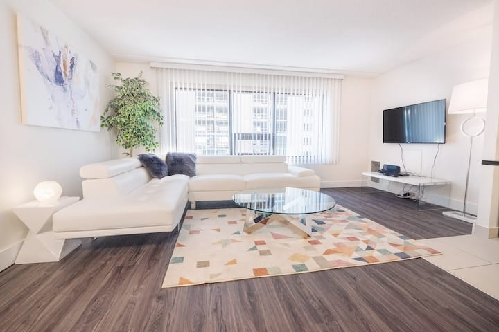 Luxury 1BR|King Bed|Downtown Convention MTS centre