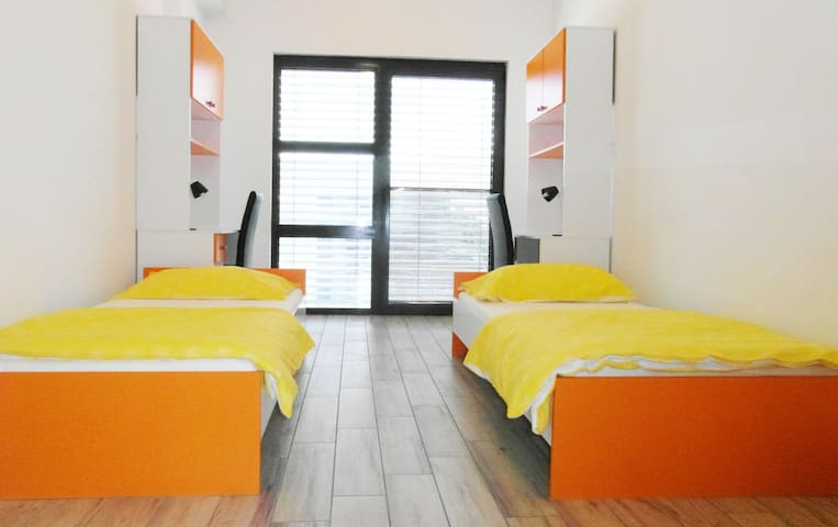 New and pleasant room close to Koper - Bertoki - Hus