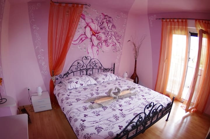 """Spacious holiday apartment """"3"""", 1km from the beach"""