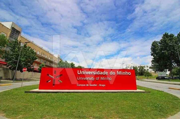 Quarto na Universidade I