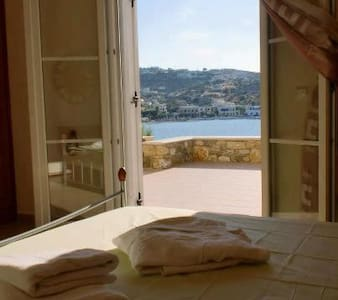 Amazing view,private beach,beautiful home - Agia Marina