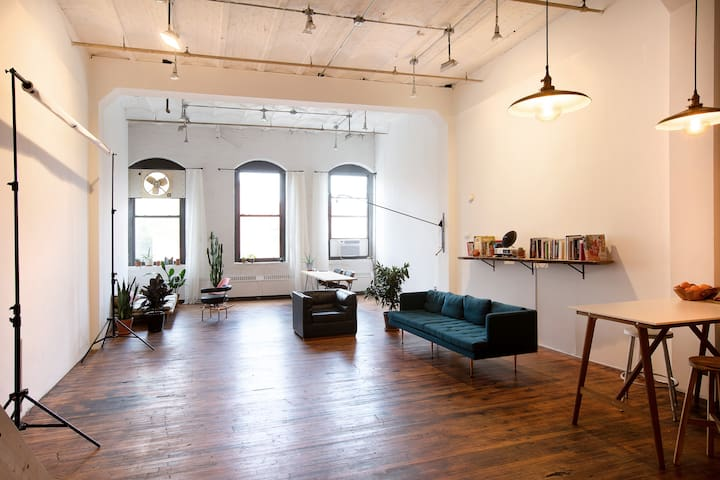 Huge Artist Loft Space - Red Hook