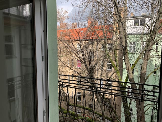 Bright apartment in Friedrichshain.