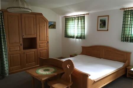 Zimmer in 100-jährigem Haus - Malta