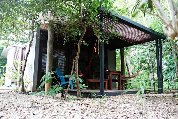 Costa Rica Cabina Guidebook