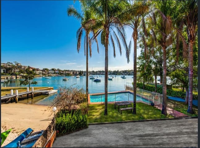Private Waterfront Paradise!