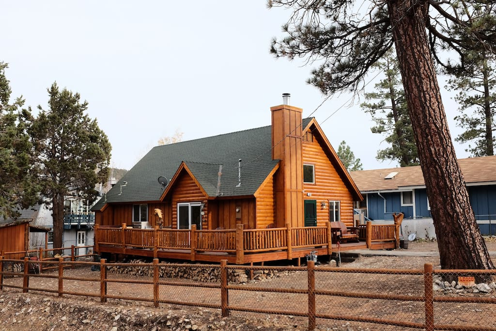 Rustic luxe big bear cabin loft cabins for rent in big for Big bear cabins california