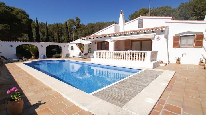 Casa en Menorca para 6 personas con piscina